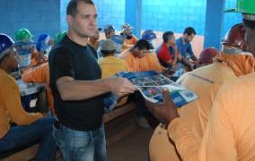 Visita aos trabalhadores da Construtora Dapema