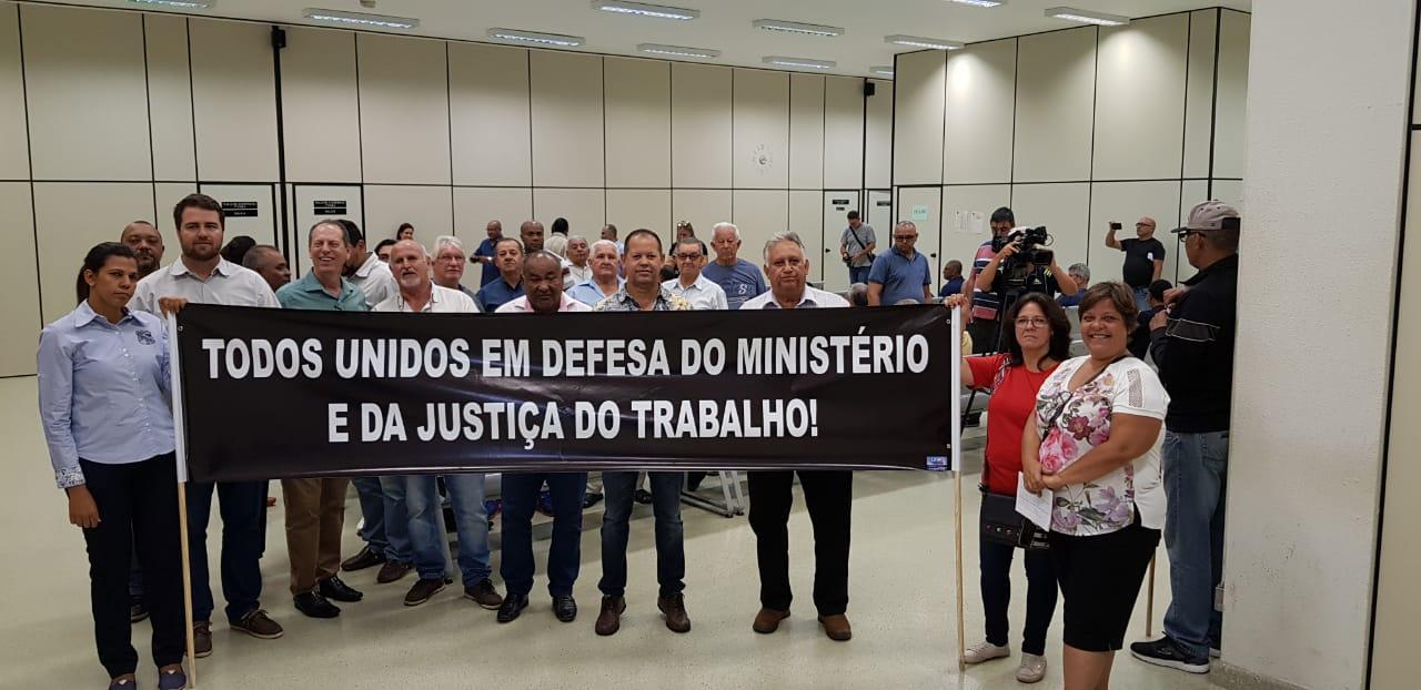 Carta aberta do Movimento em defesa da Justiça do Trabalho